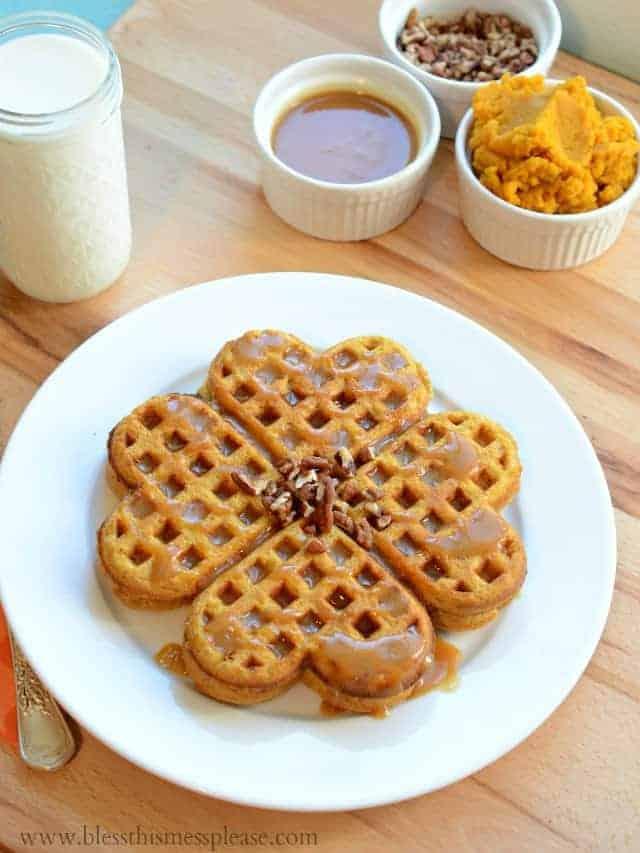 Easy Pumpkin Spice Waffles Recipe