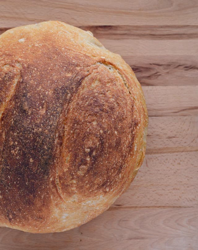 Super Simple No-Knead Bread using just 4 basic ingredients and some time which makes a super chewy crust with a soft and fluffy middle.