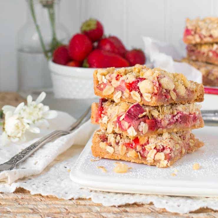 Strawberry Rhubarb Ginger Crumble Bars