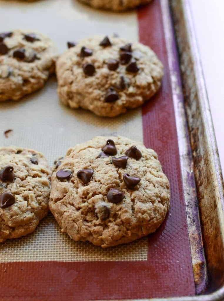 Healthy Oatmeal Chocolate Chip Cookies Recipe with Whole Wheat Flour