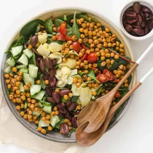 Mediterranean Salad with Roasted Chickpeas