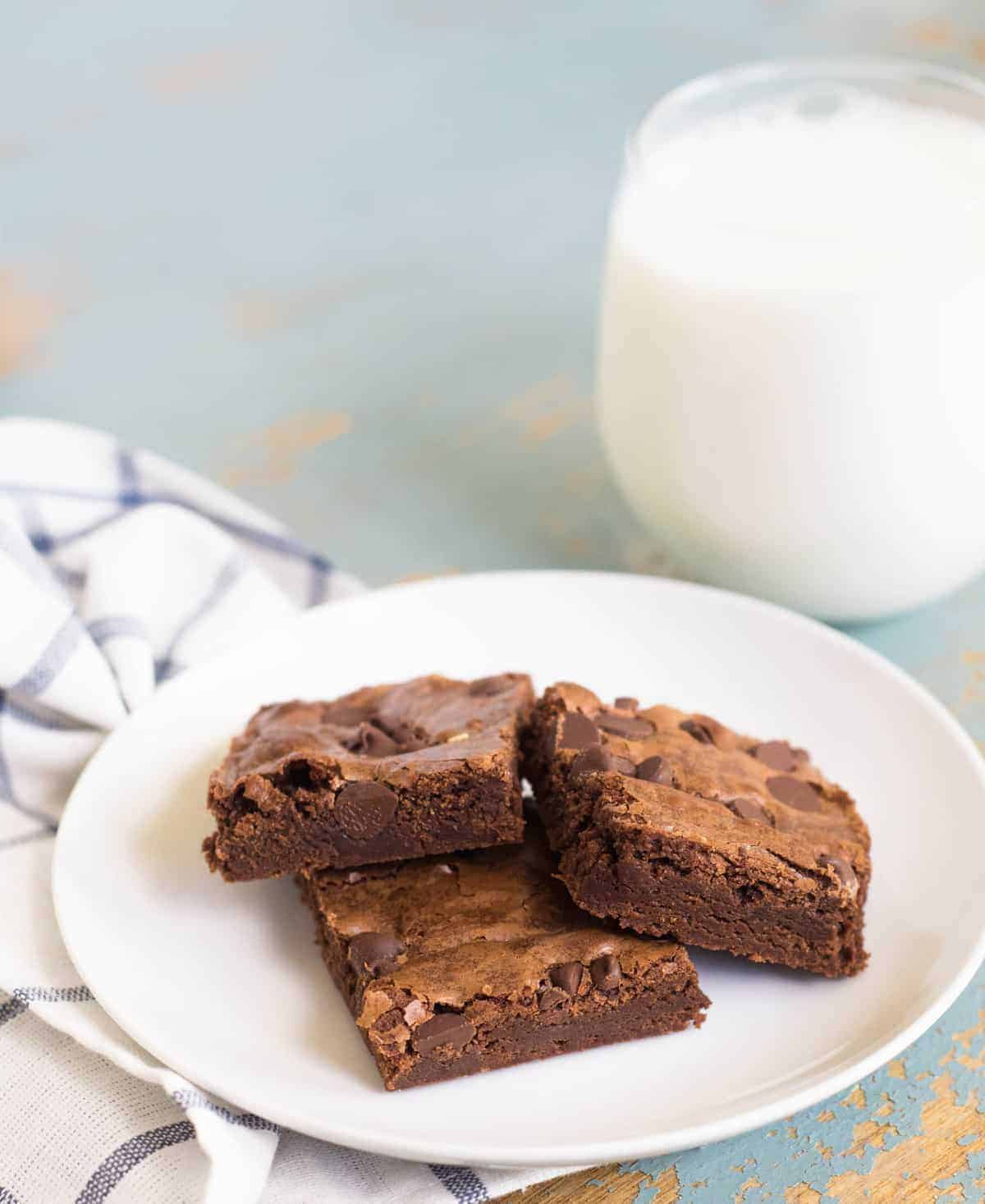 Image of Three Perfect Brownies on a Plate