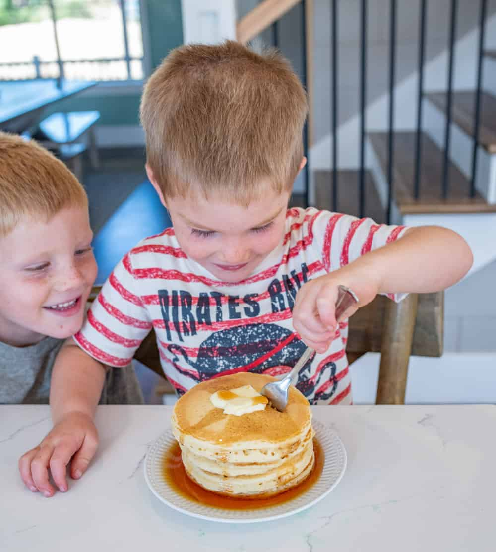 Feeding kids isn't always a walk in the park, but with my 5 best tips for feeding kids, I hope you come away with some tangible advice and practical ideas for making mealtimes a little less stressful and a whole lot more enjoyable for the entire family.