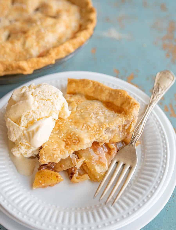 Easy Apple Pie Recipe | Classic Apple Dessert Recipe For Thanksgiving!