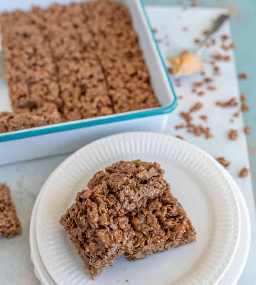 These Peanut Butter Chocolate Rice Crispy Treats are a rich take on the classic sweet snacks that peanut butter-chocolate lovers will just adore!