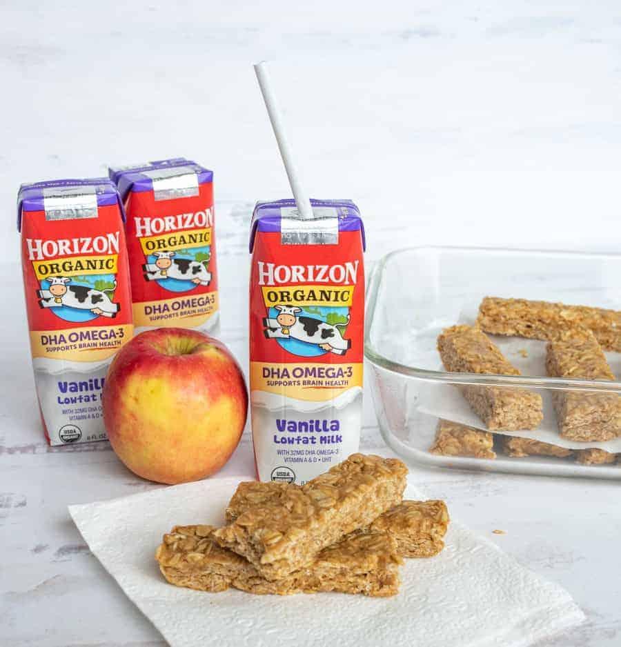Image of Peanut Butter Honey Granola Bars with Horizon Milk & an Apple