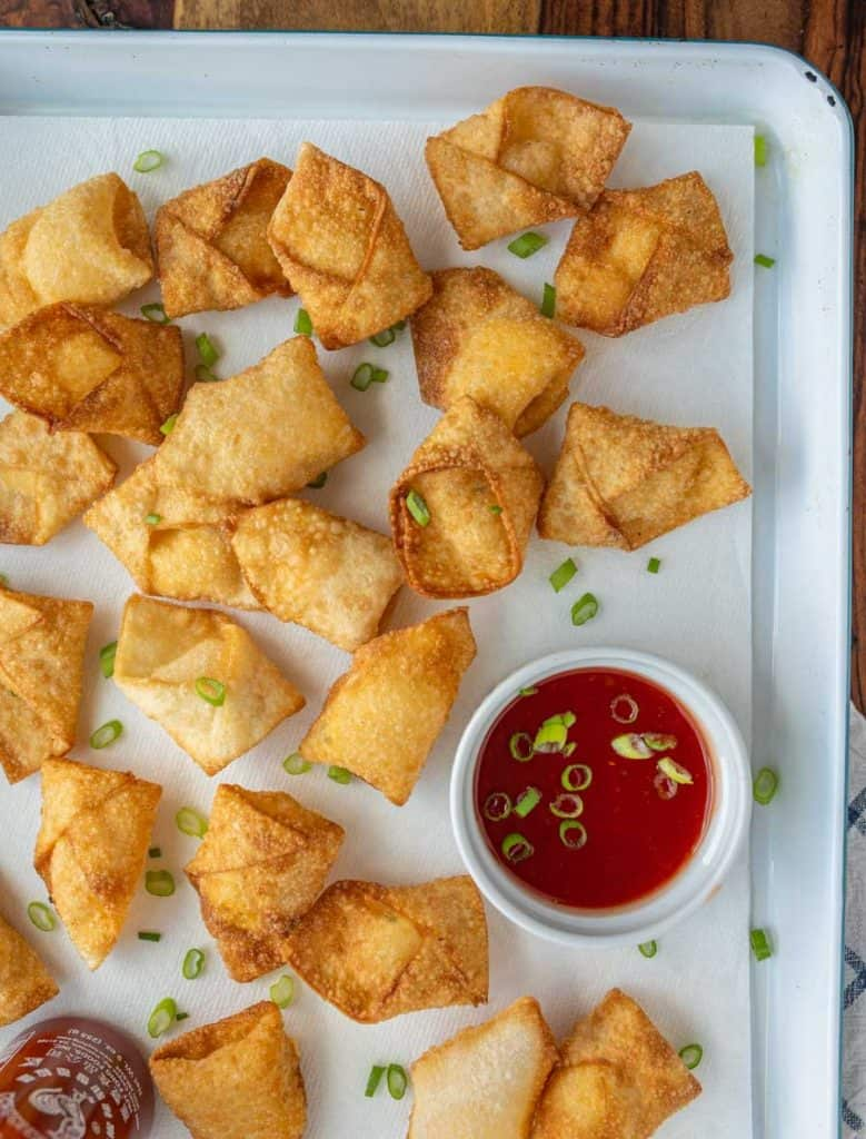 top view of a tray of cream cheese wontons