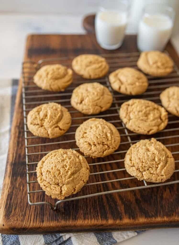 close up picture of peanut butter cookies on a cooling rack