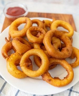 close up picture of onion rings