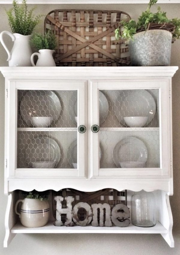 Outdated Hutch Makeover