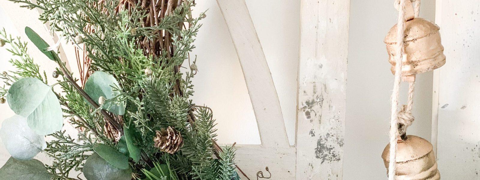 DIY Christmas Grapevine Wreath and Entryway Decor