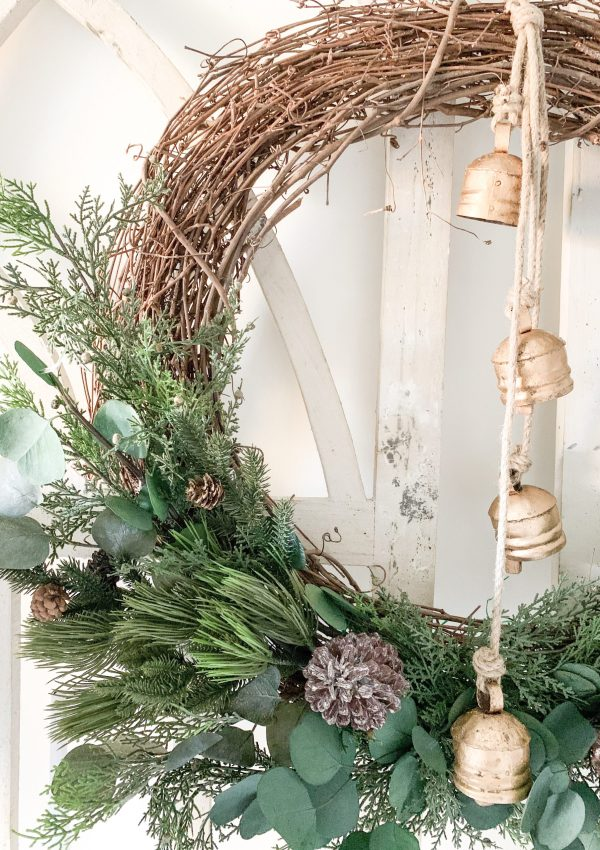 DIY Christmas Grapevine Wreath and Entryway Decor