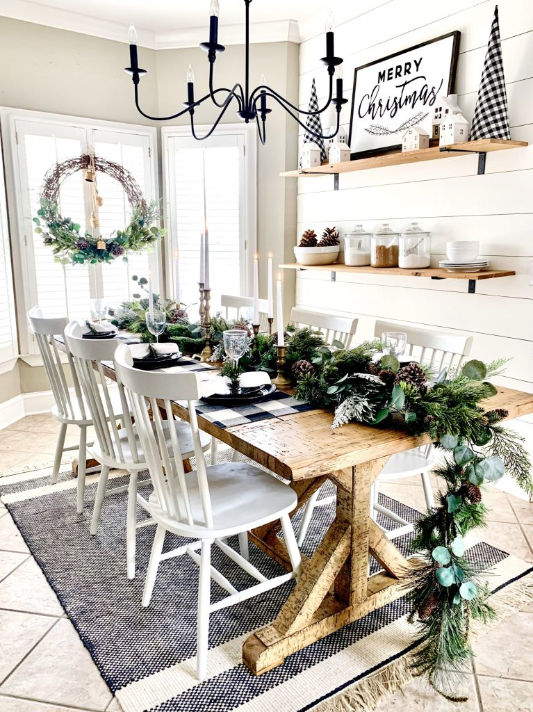 Kitchen table with Christmas garland