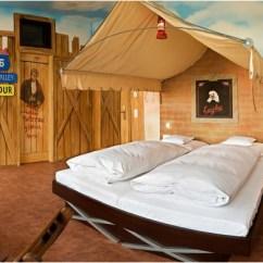 Black And White Themed Living Rooms Best Led Light Bulbs For Room Crazy V8 Hotel | Stuttgart Germany