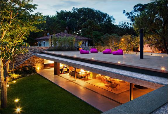 V4 HOUSE | BY MARCIO KOGAN | Image