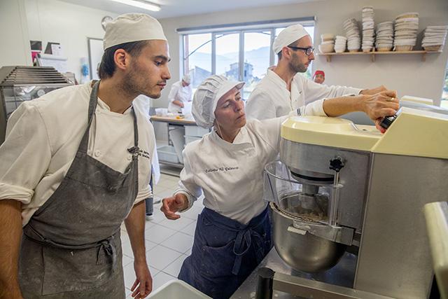 Apprentissage à l'école de boulangerie
