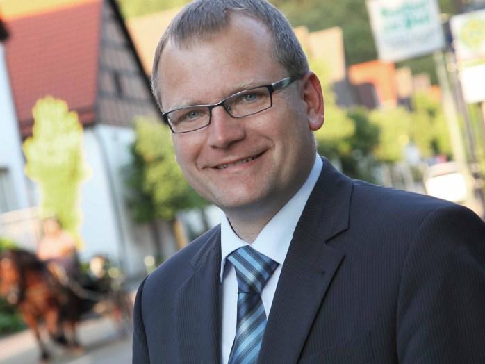 Bleibt bis 2015 im Amt: Bürgermeister Detlef Lins (Foto: Stadt Sundern)