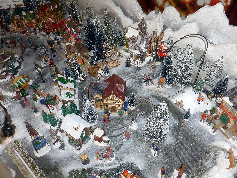 Die Winterwelt, ein Hingucker beim 9. Neheimer Weihnachtstreff. (Foto: oe)