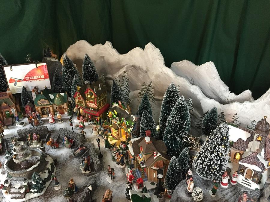 Schneemänner-Zählen beim Neheimer Weihnachtstreff