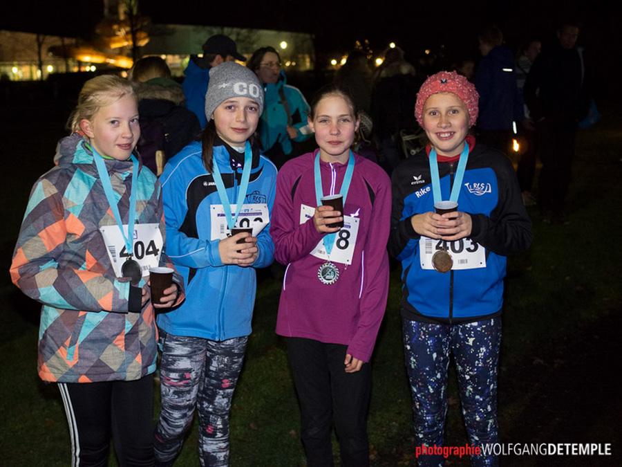 295 Athleten suchten Novembersturm auf Hüstener Finnenbahn