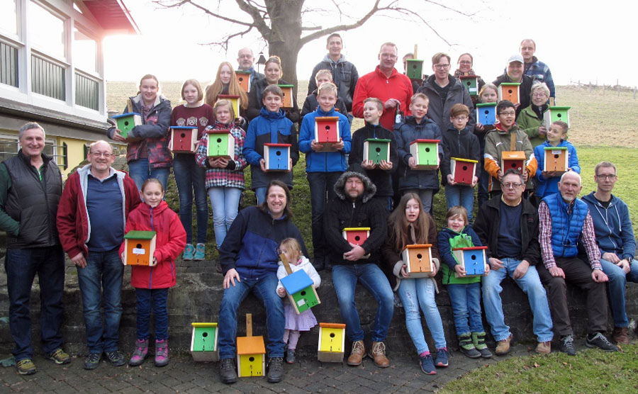 Forum Wennigloh schützt Singvögel mit Nistkasten-Aktion