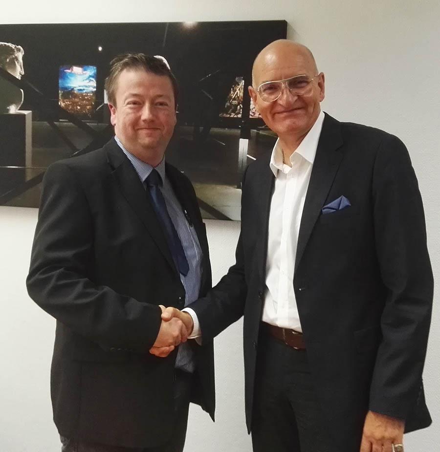 Brodel und Breier: Hauptsitz des Bürgerbusverbundes soll in Sundern bleiben
