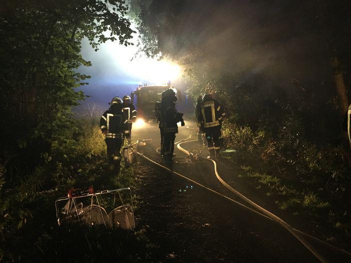 Nächtlicher Böschungsbrand in Rumbeck