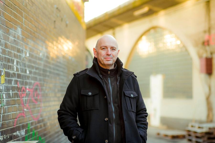 Bochumer Kultautor gibt Vorpremiere in Arnsberger KulturSchmiede