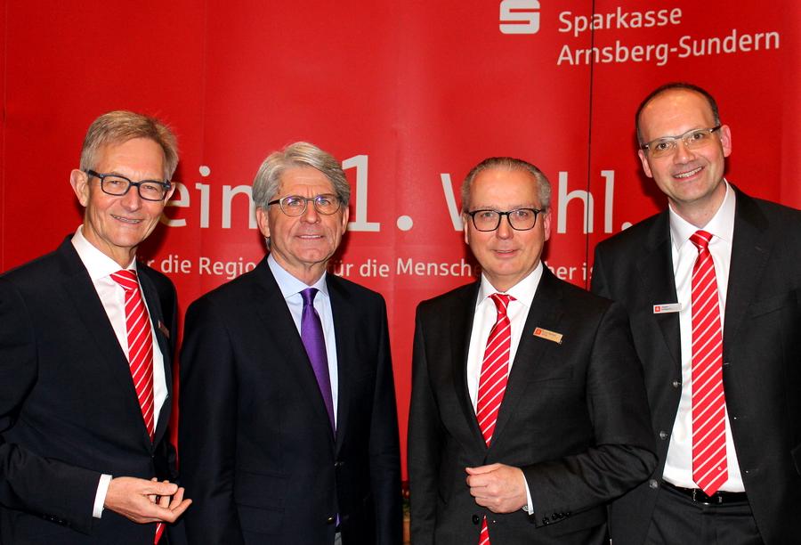Zukunftsforscher Prof. Dr. Eckard Minx beim Sparkassen-Dämmerschoppen