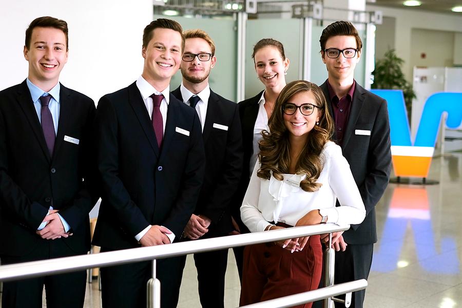 Sechs neue Auszubildende erweitern Volksbank-Team