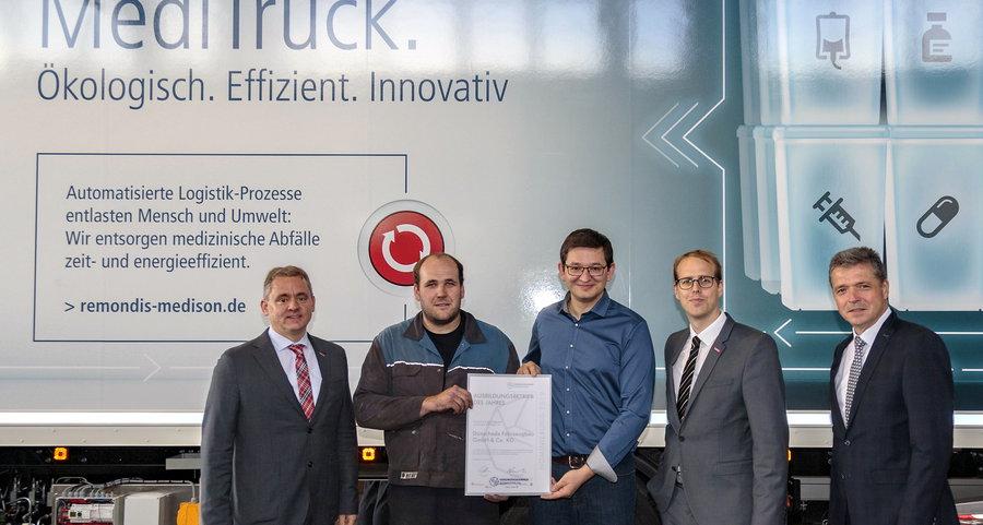 Dünschede Fahrzeugbau als Ausbildungsbetrieb des Jahres nominiert