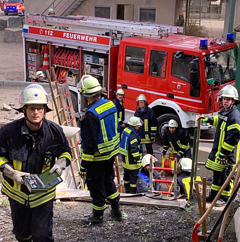 Betriebsunfall in Hellefeld – Mann in Förderband eingeklemmt.