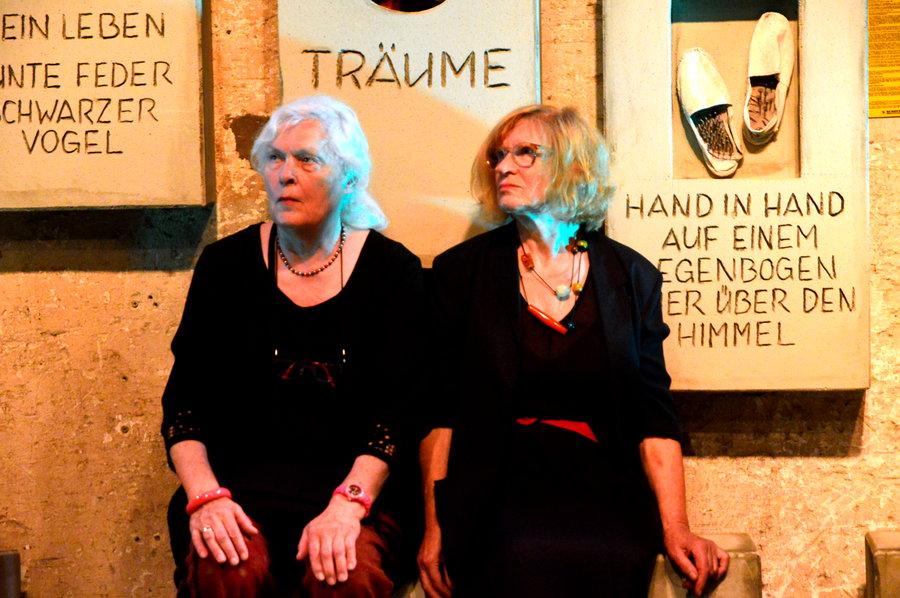 """Wiederaufnahme: Teatron spielt """"Treffpunkt Friedhof"""""""