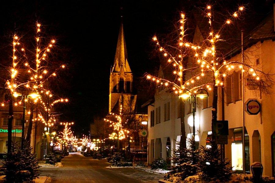 Signal für Sundern: Wieder Weihnachtsbäume in Fußgängerzone