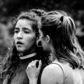 Twee danseressen van de Tough Titties Revolution tijdens een optreden op het Hongerige Wolf Festival.