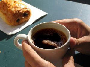 Är kaffe farligt när man är gravid?