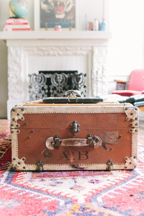 Manly Decorating - Vintage Trunk as Coffee Table