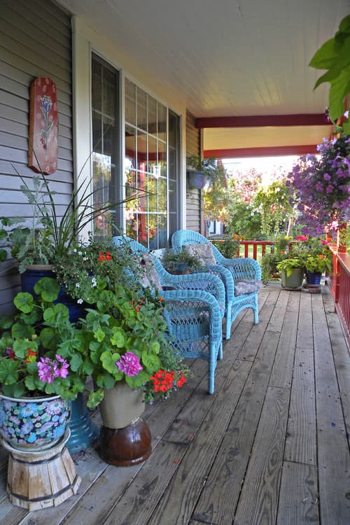 Eclectic Summer Porch by Dallas Media and Bloggers Sarah Greenman