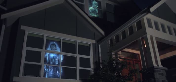 12 Truly Terrifying Ways to Decorate Your Windows for Halloween ...