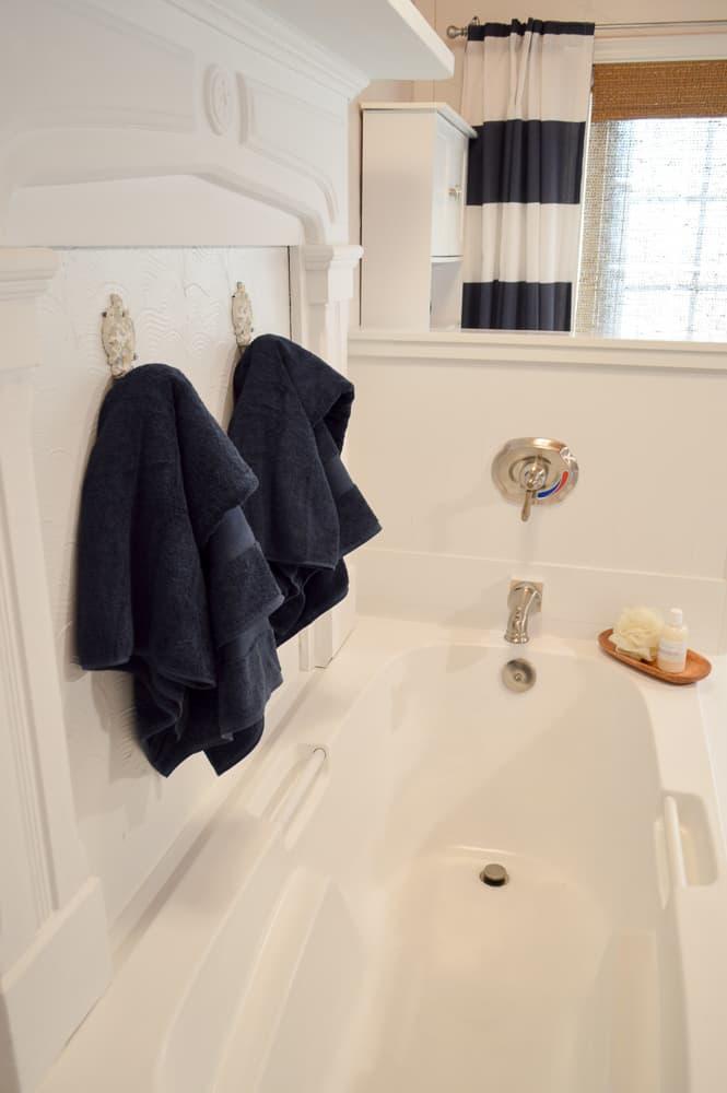 navy-blue-bathroom-makeover-6