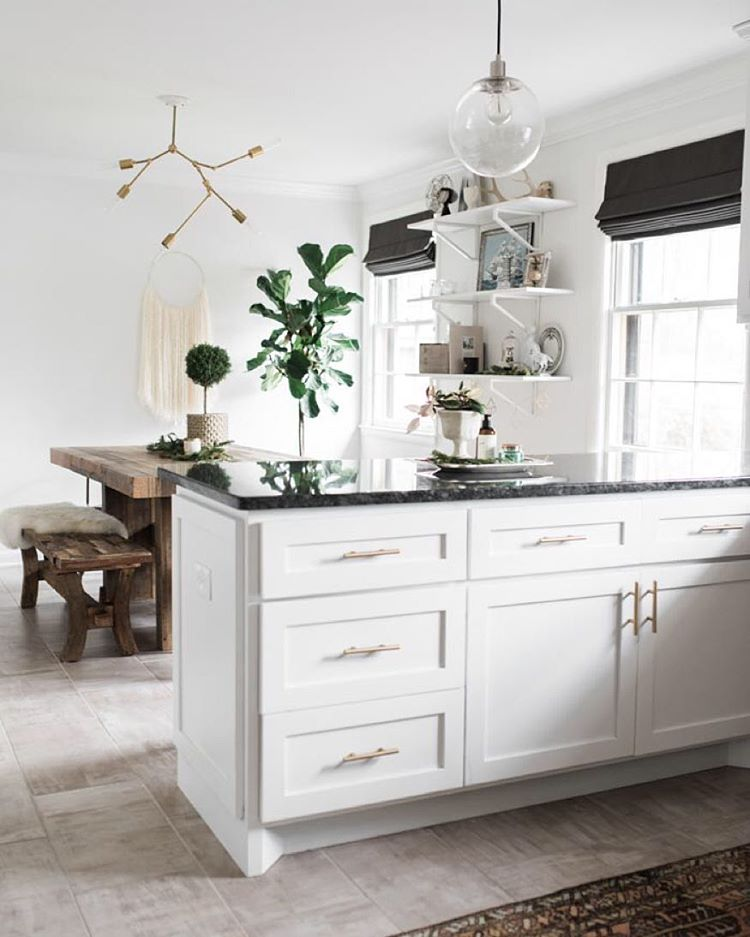 kitchen shades hotels with kitchens in las vegas 5 fresh ideas for window treatments the finishing touch modern white cabinets dark countertops and black roman