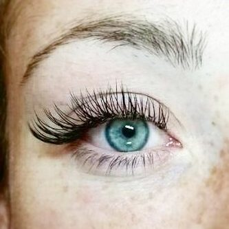 Blink and Glow – Lash Extensions & Lash Lifts