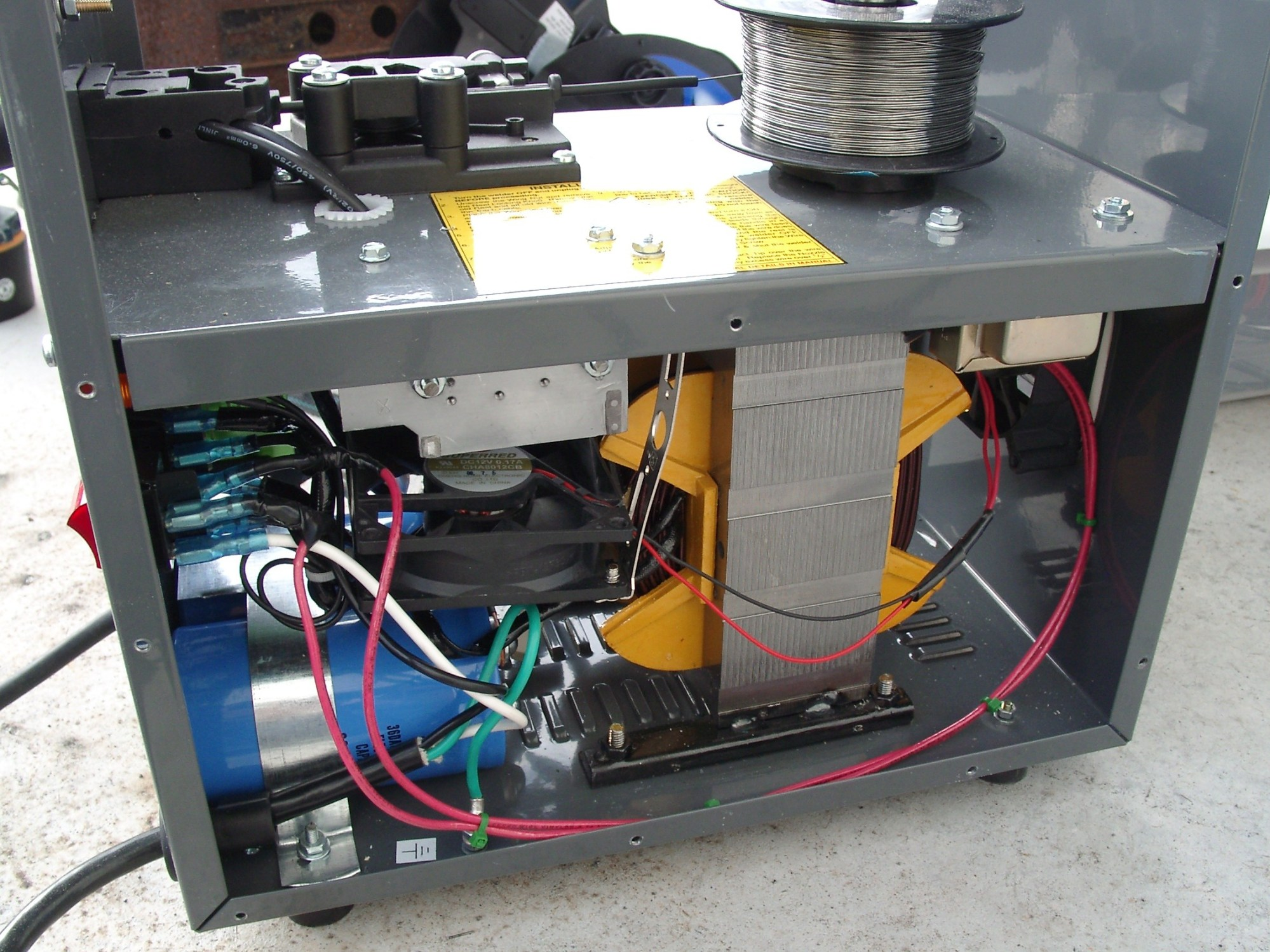 hight resolution of amp capacitor wiring