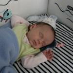 Fazy snu dziecka – czemu niemowlętak często się budzi?