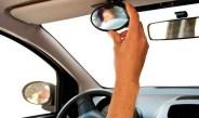 Super gadżet dla zmotoryzowanych rodziców – lusterko samochodowe do obserwacji dziecka.