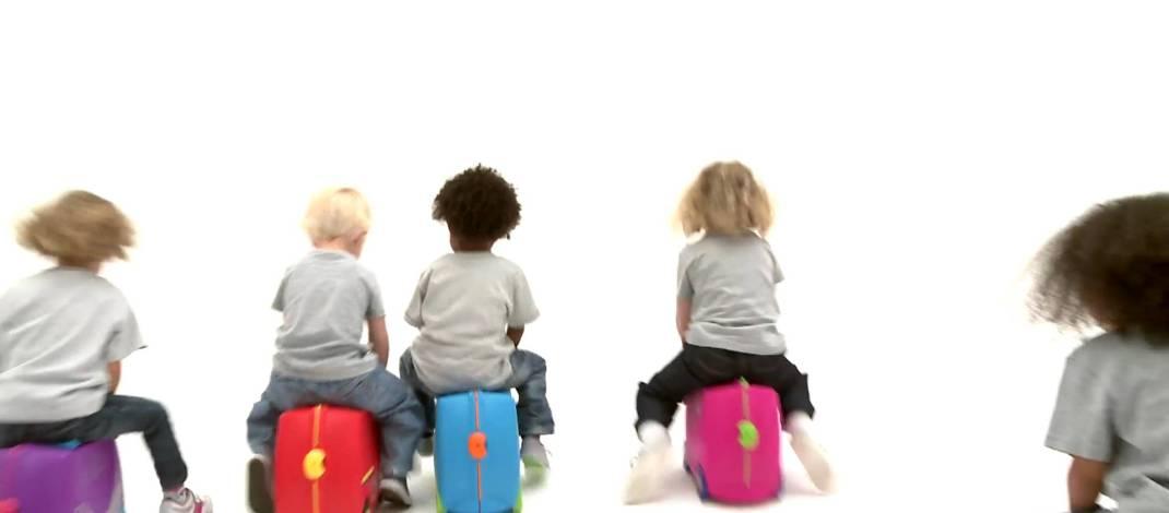 Jakie zabawki zabrać dla dziecka na wyjazd – urlopowe niezbędne minimum.