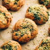 Vegan Sundried Tomato Parmesan Garlic Knots