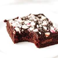 Vegan Peppermint Chocolate Chunk Brownies