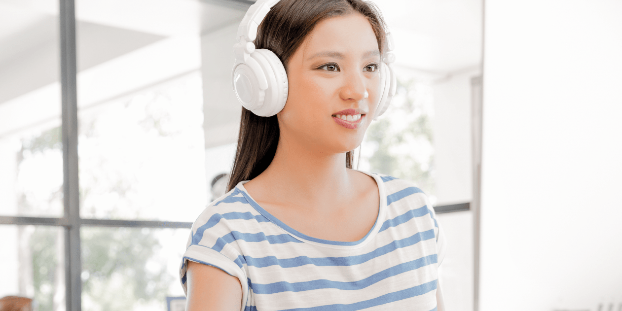 There are so many amazing educational podcasts that let you listen and learn while going about your daily routine. Here are a few of my favorites. Read more at blissfullemon.com/my-favorite-educational-podcasts