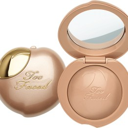 "Too Faced Peach Frost Highlighter ""Happy Face"""